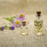 香りで癒される!自宅で簡単に出来る「眼精疲労に良いアロマセラピー」